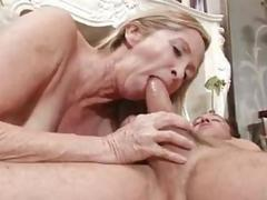 Old babe has a nice big dick to handle well