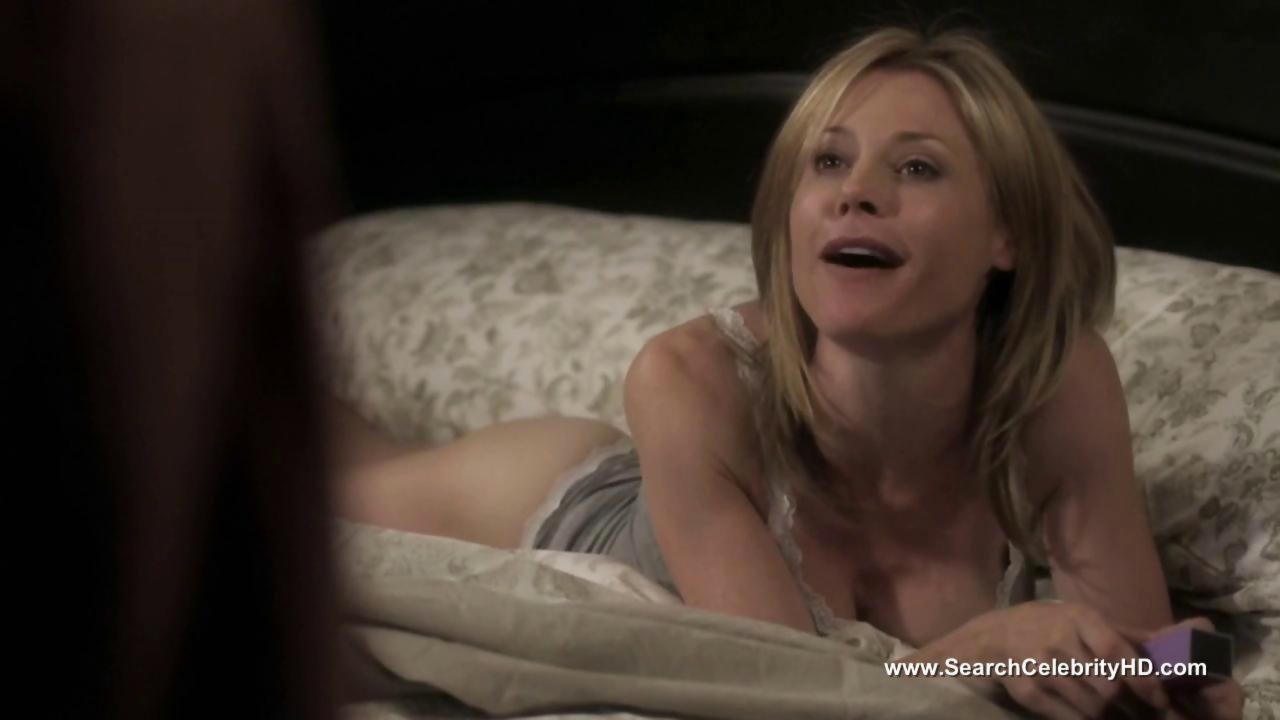 In the view of the end of modern family, a julie bowen appreciation post for playing the hot claire