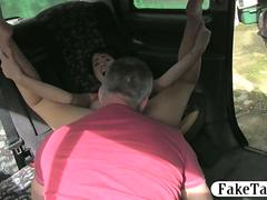 Babe in glasses fucked by fraud driver in the backseat