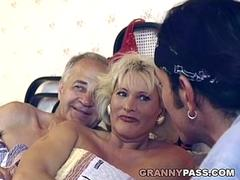 Threesome Fucking With Hairy Granny
