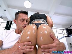 Thick Colombian Teen With Bubble Butt Fucked