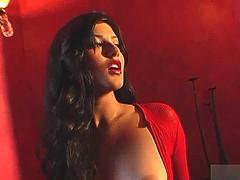 Jenna Jameson and Sunny Leone are the two babes who are enjoying some