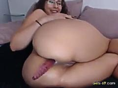 nerdy babe stuffing her ass