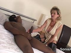 Cheating uk mature lady sonia showcases her monster globes