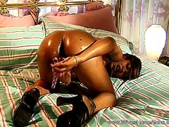 Horny Housewife Goes Crazy With Dildo
