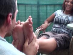 amateur gypsy feet smelling on loggia