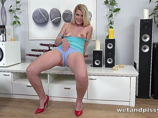 Piss Drinking Blonde Gets Off With A Glass Dildo