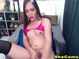 Juicy Tranny Meat at Live Solo Jerking Off